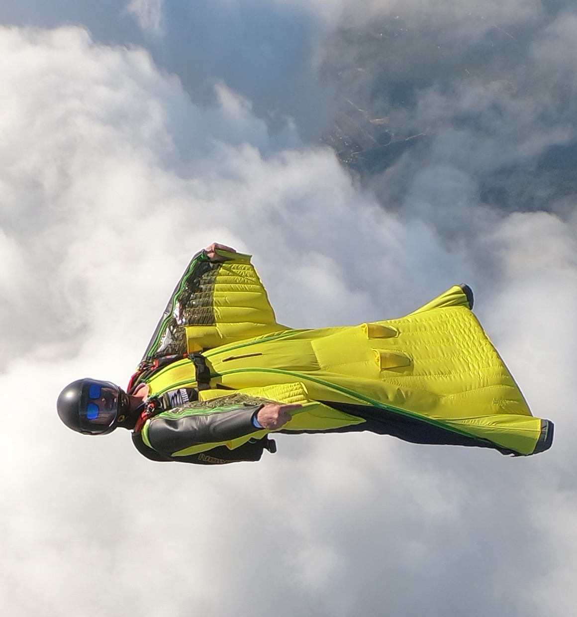 Intermediate wingsuit for skydiving and BASE jumping: Swift 3 | Squirrel